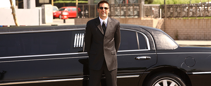 Rich and Famous - Limo Service